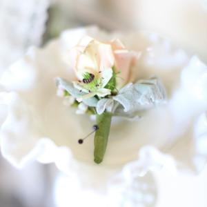 Vintage Estate Wedding I New Jersey Wedding Planner I Jersey Shore Wedding Planning I Wilson Hall I Wedding Boutonniere
