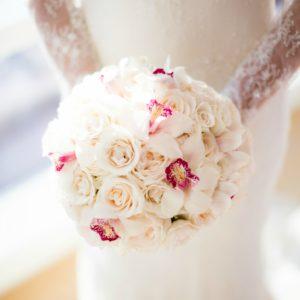 NYC Chic Winter Wedding ǀ Dee Kay Events ǀ Wedding Consultant ǀ Wedding Design ǀ Brides Bouquet