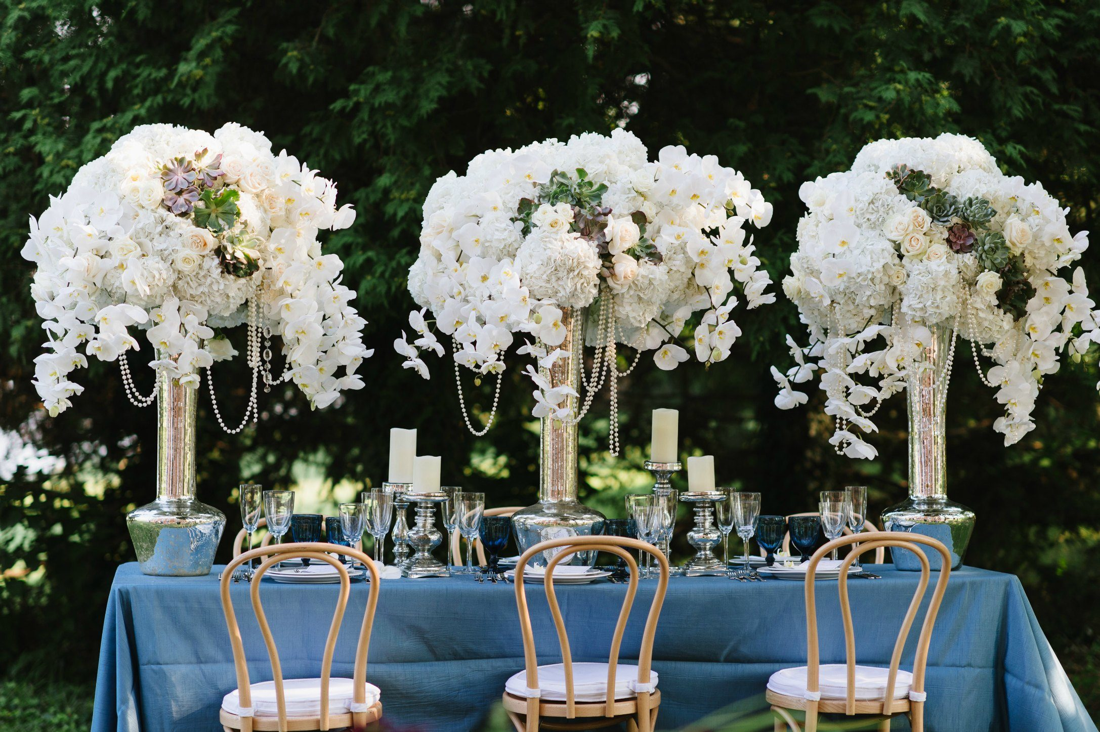 Luxe Shore Wedding | Dee Kay Events ǀ Downtown Annapolis, MD | Carroll House I Floral Arrangements