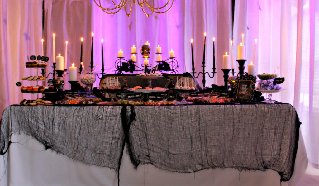 Dee Kay Events | Spooktacular Dessert Table Halloween Bar I 2018 Halloween Party
