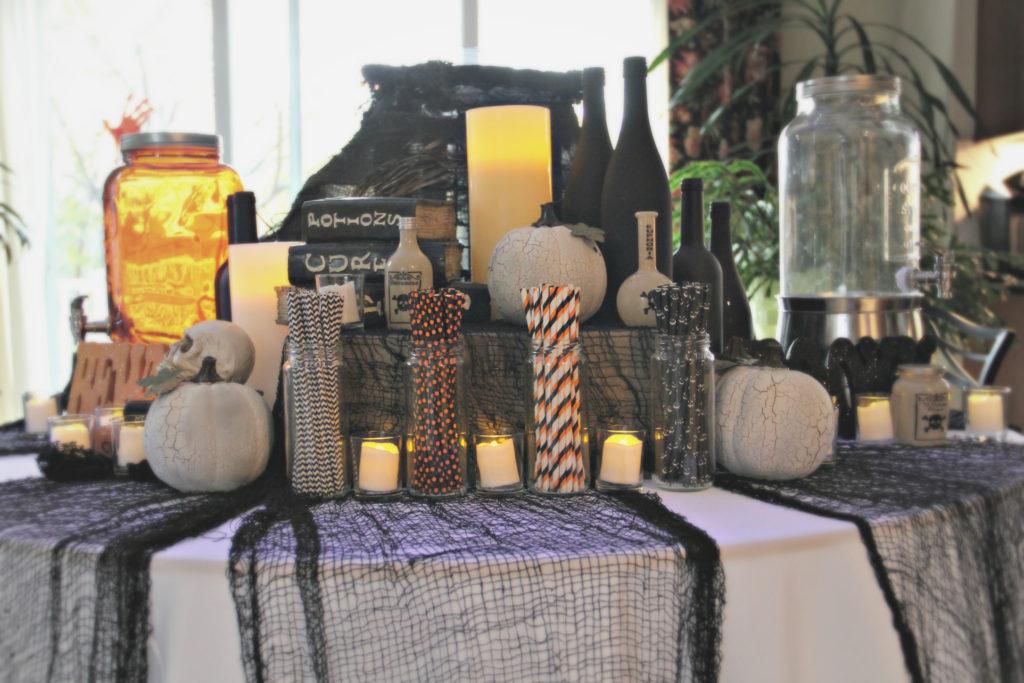 2018 Spooky Halloween Dessert Table